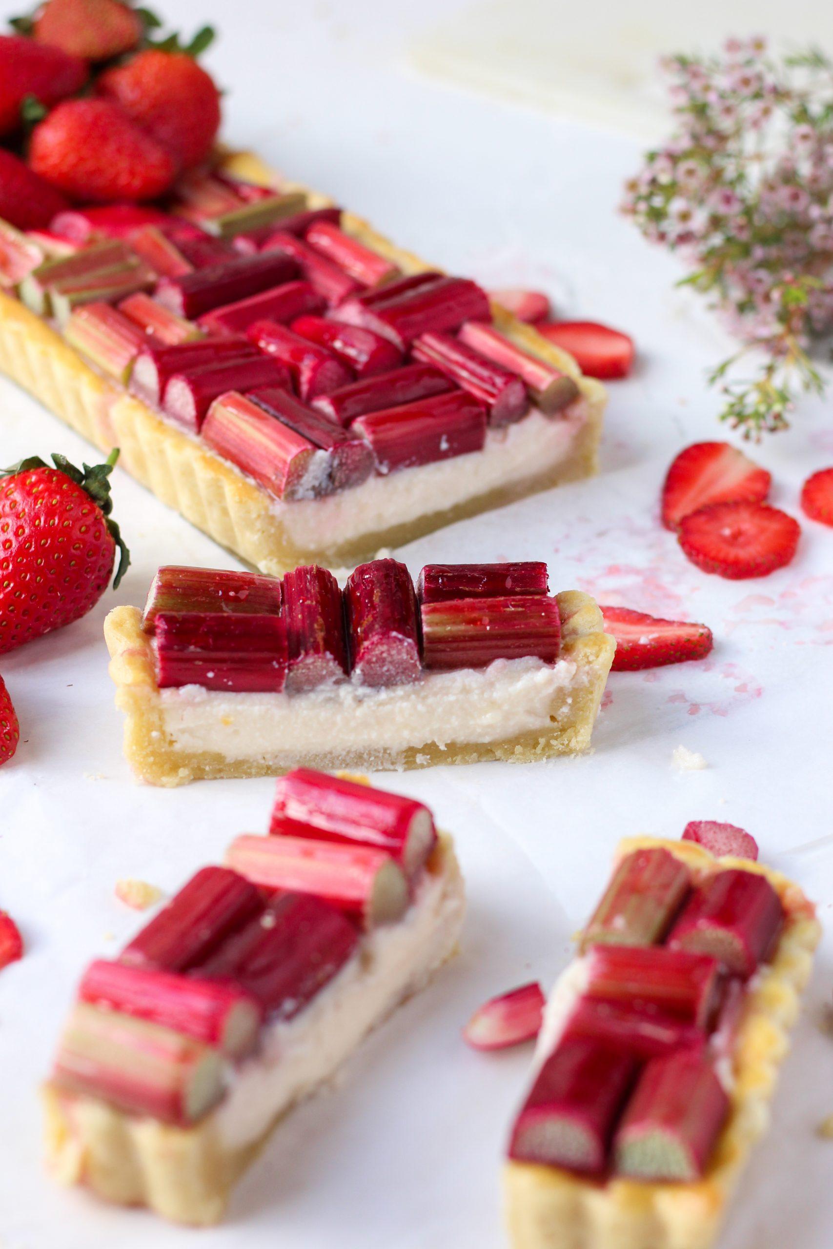 strawberry rhubarb ricotta tart